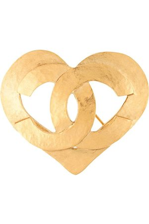 CHANEL 1995 cut-out CC heart brooch