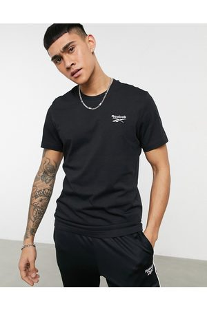 Reebok Classics t-shirt with small logo in black