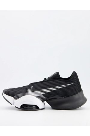 Nike Air Zoom SuperRep 2 trainers in and white