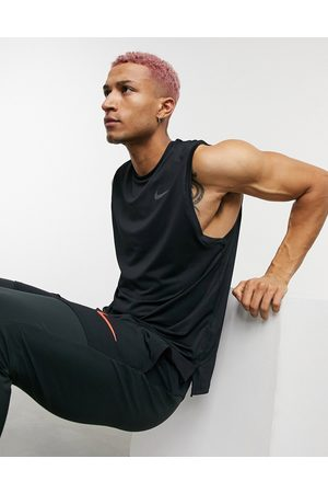 Nike Men Camisoles - Hyperdry vest in