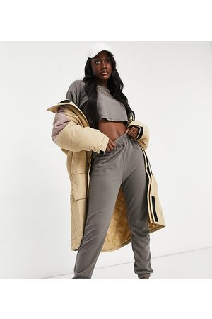 Missguided Cropped sweatshirt and jogger set in