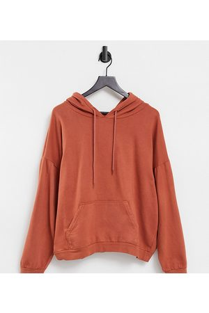I saw it first Exclusive oversized hoodie in chestnut