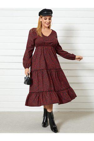 YOINS Plus Size Deep V Neck Polka Dot Lettuce-edge Long Sleeves Maxi Dress