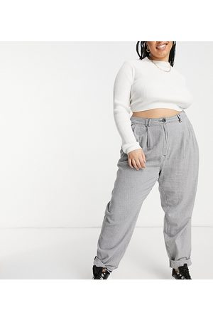 ASOS ASOS DESIGN Curve ovoid pleat front peg trouser in black and white dogtooth
