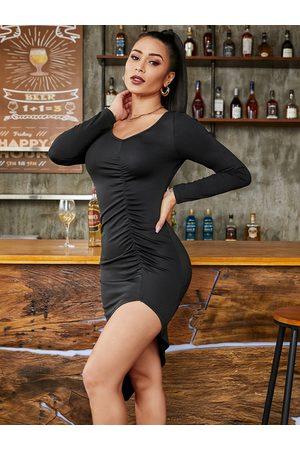 YOINS BASICS Slit Design V-neck Long Sleeves Ruched Dress