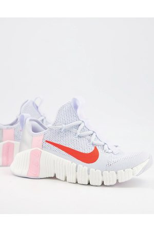 Nike Training Valentines Free Metcon 3 trainers in