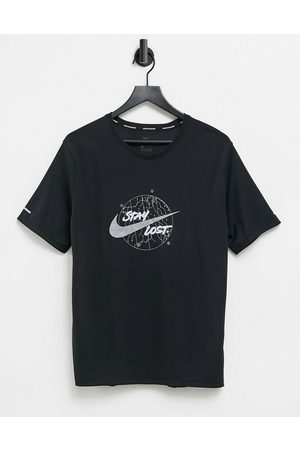 Nike Run Division Miler t-shirt with colour changing logo in