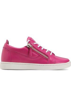 adidas Nicki low-top sneakers