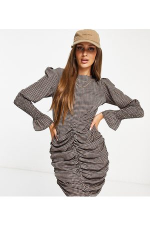 Missguided Women Casual Dresses - Ruched dress with shirred cuff in check
