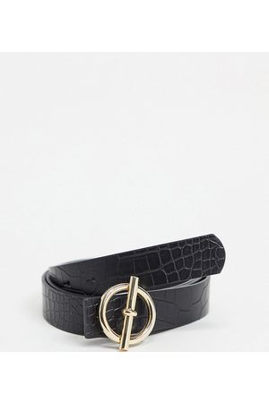 My Accessories Curve My Accessories London Curve Exclusive waist and hip jeans belt with t-bar buckle fastening in
