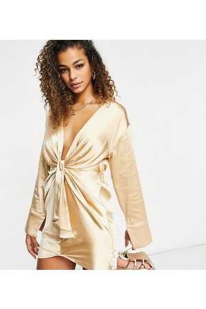 EI8TH HOUR Long sleeved plunge front tie shirt dress in stone-Neutral