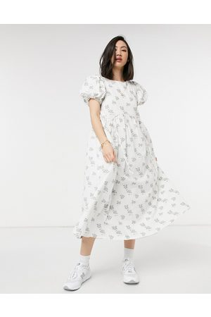 Lost Ink Midi dress with drawstring details in textured vintage floral-Cream