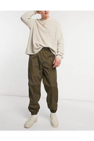 Weekday Men Joggers - Andrew Woven Joggers in Khaki