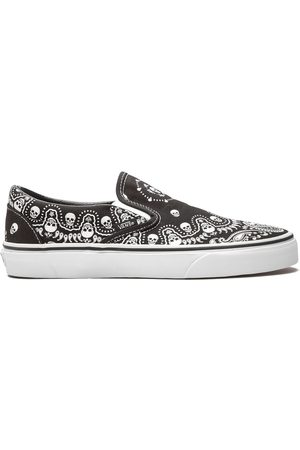 Vans Men Sneakers - Classic Slip-On sneakers