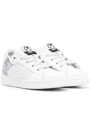 2 stars Glitter-detail low-top sneakers