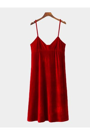 YOINS Sexy Sleevesless Velvet Vest Dress