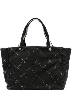 CHANEL Diamond-print tote bag