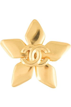 CHANEL 1996 CC flower brooch