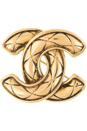 CHANEL Diamond quilted CC brooch