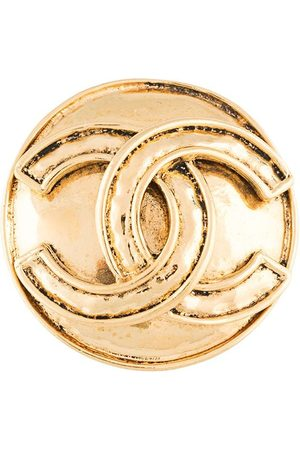 CHANEL 1994 CC medallion brooch