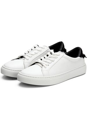 YOINS Casual Leather Look Lace-up Sneakers with Black Back Part