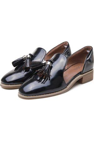 YOINS Leather Look Round Toe Tassel Cut-out Slip-on Loafers