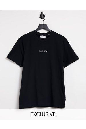 Calvin Klein Men Short Sleeve - Central front small logo t-shirt in