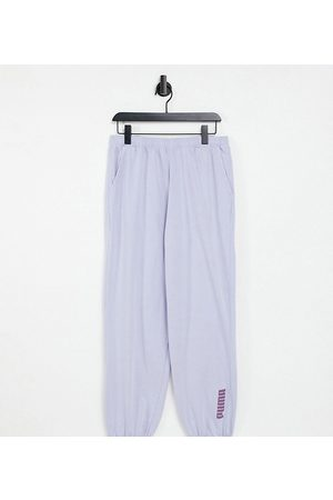 PUMA Loungewear - Oversized jogger in washed powder lilac exclusive to ASOS