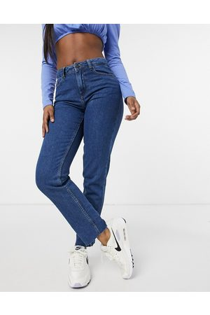 Noisy May Lizzi straight leg jeans in authentic wash