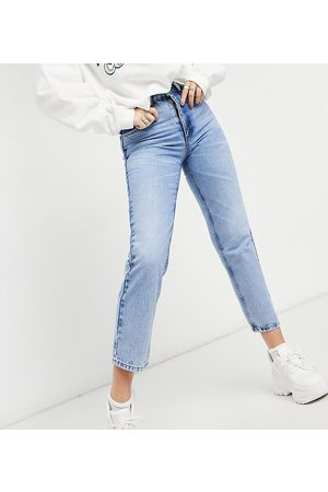 Reclaimed Vintage Inspired the 90s clean straight jean in mid sustainable wash
