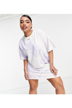 ASOS Curve ASOS DESIGN Curve t-shirt dress with ruched side detail in washed marble print-Multi