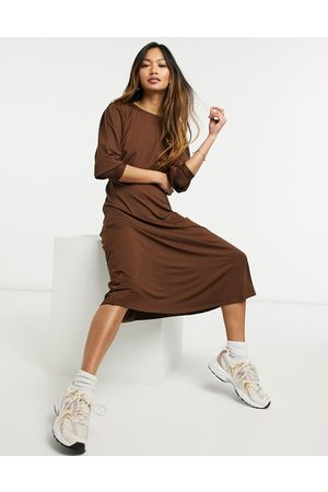 Vero Moda Aware jersey midi dress with deep cuffs in chocolate