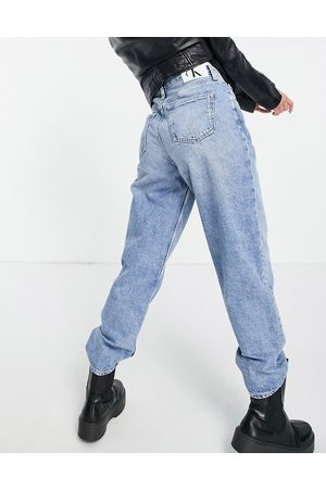 Calvin Klein Slouchy jean in mid wash