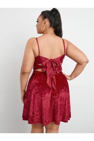 YOINS Plus Size Deep V Neck Backless Design Tie-up Design Sleeveless Mini Dress