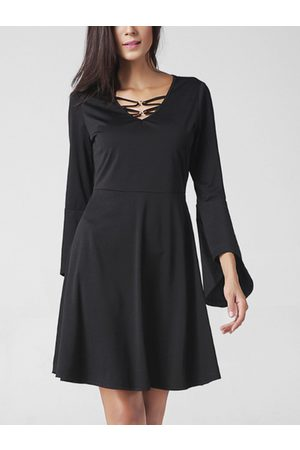 YOINS Lace-up V-neck Flared Sleeves Midi Dress