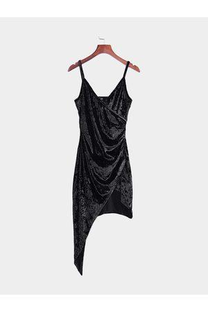 YOINS Sexy V Neck Irregular Spaghetti Velvet Wrap Dress