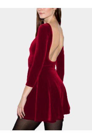 YOINS Crimson Backless Design Plain Round Neck 3/4 Length Sleeves Dress