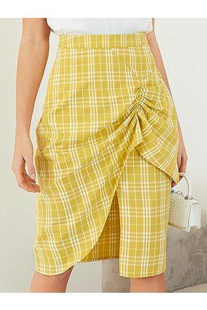 YOINS Plaid Ruched Asymmetrical Hem Midi Skirt