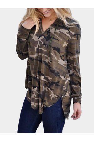 YOINS Women Long Sleeve - Camouflage V-neck Long Sleeves Hooded T-shirt
