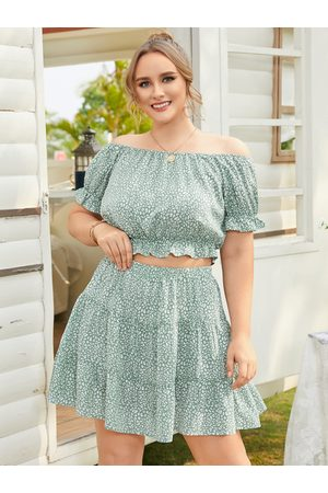 YOINS Women Short Sleeve - Plus Size Off The Shoulder Calico Short Sleeves Two Piece Outfit