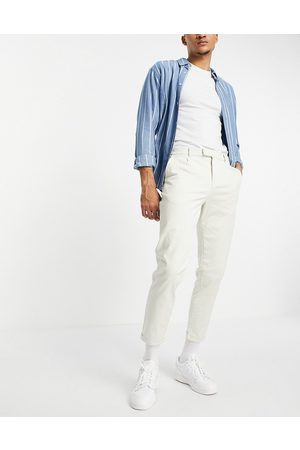 New Look Pleated chino trousers in off