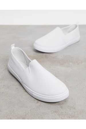 Truffle Collection Canvas slim on plimsolls in
