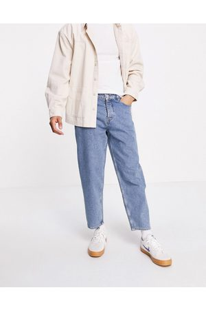 ASOS DESIGN Men Tapered - Relaxed tapered jeans in vintage mid wash