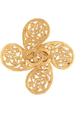 CHANEL 1995 flower motif CC brooch