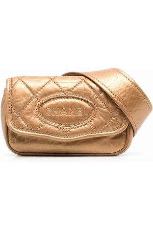 CHANEL 2005-2006 diamond-quilted belt bag
