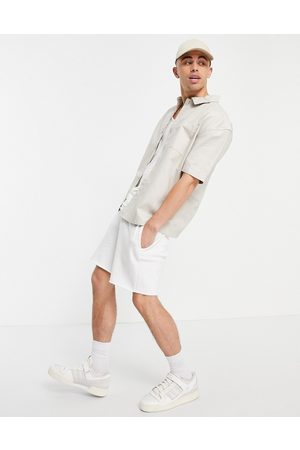 New Look Short sleeve boxy shirt in stone-Neutral
