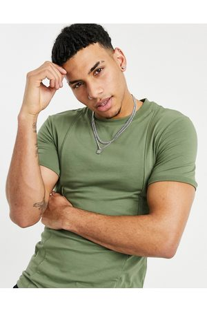 ASOS Men Short Sleeve - Muscle fit t-shirt with pinktucks in khaki