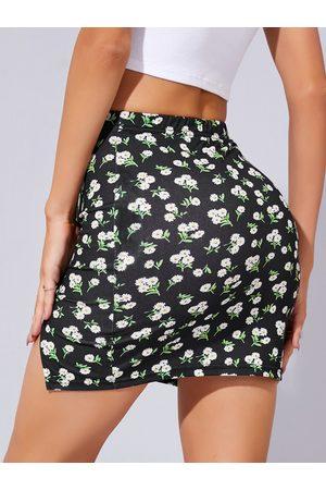 YOINS Calico Elastic Waist Slit Hem Mini Skirt