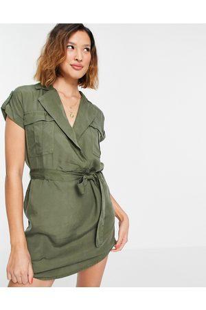 Noisy May Women Casual Dresses - Tie waist shirt dress in khaki
