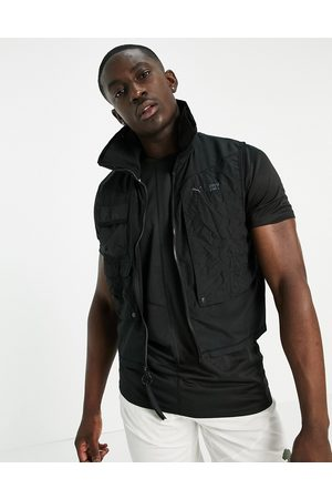 PUMA Training First Mile Utility vest in
